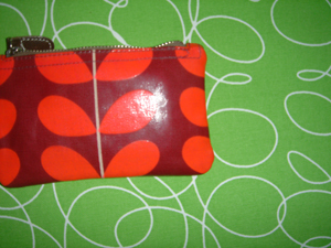 Red_pouch